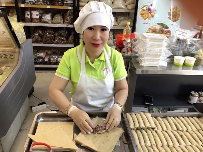 nghe-nhan-am-thuc-ha-noi-mang-thuc-pham-sach-den-cho-nguoi-sanh-59-3099-1629628666.jpg