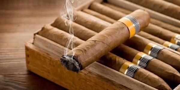 Những lầm tưởng về tác dụng của xì gà